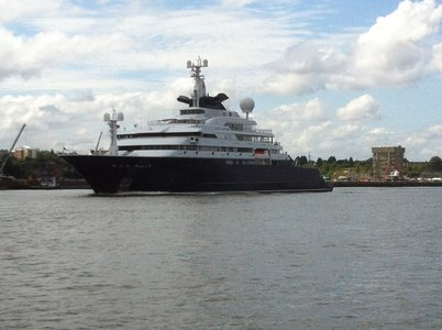 Superyacht Octopus off Northfleet heading for Reykjavik