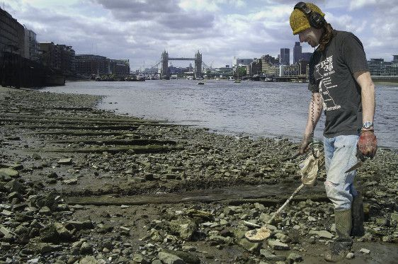 Thames Foreshore Access Including Metal Detecting