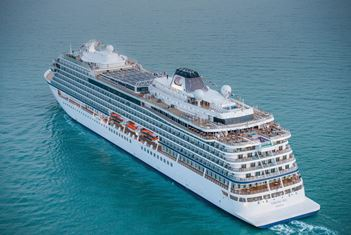 London welcomes largest ocean cruise ship christening